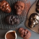 Stampo HAUNTED SKULL CAKELET PAN NW89448 6 impronte 5 cups Nordic Ware